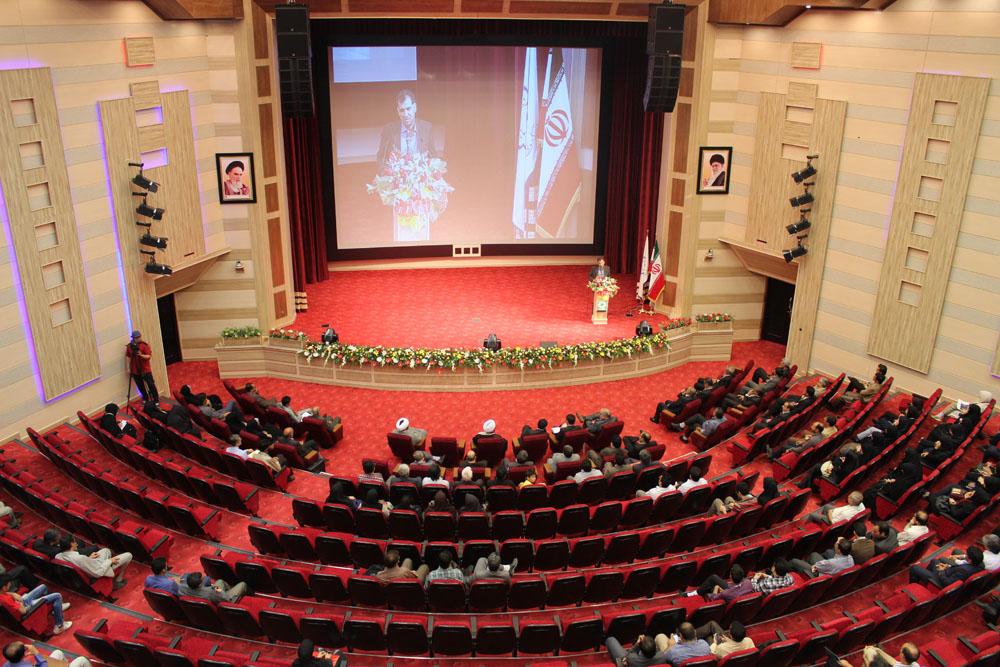 دانشگاه ولی عصر (عج) رفسنجان برای اولین بار در کشور، محافل علمی را با نام شهدا برگزار کرد