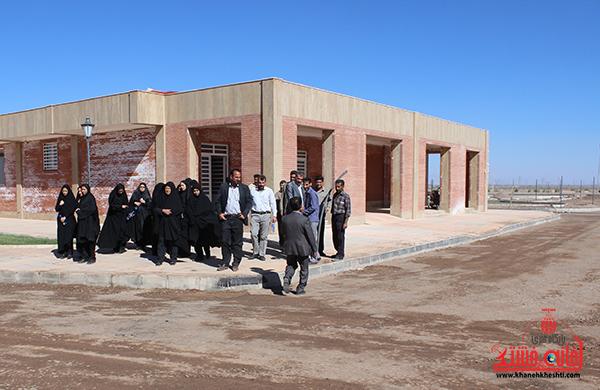 بازدید بانوان شهرداری از آرامستان رفسنجان