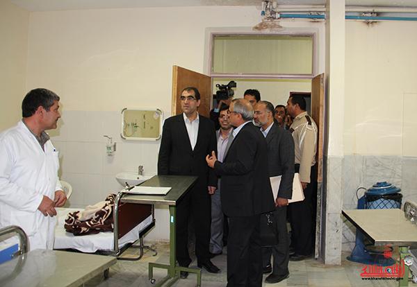 دوربین خانه خشتی در بازدید وزیر بهداشت از بیمارستان رفسنجان
