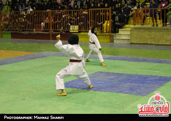 رقابت بانوان کاراته کا در  رفسنجان آغاز شد