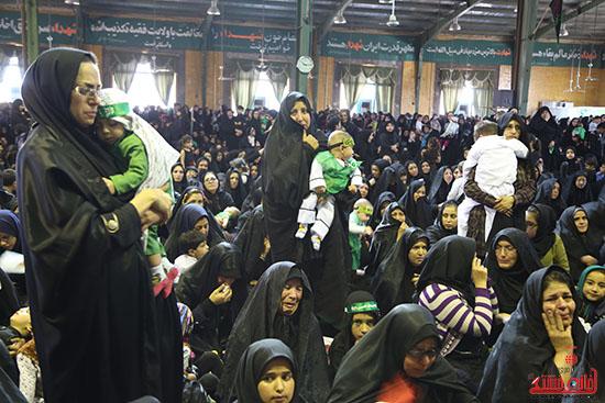 دوربین خانه خشتی در همایش شیرخوارگان حسینی در رفسنجان
