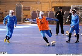 رقابت ۶ تیم در مسابقات فوتسال بانوان در رفسنجان