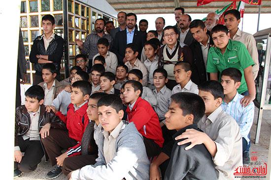 دوربین خانه خشتی در بازدید فرماندار رفسنجان از پروژه های بخش نوق