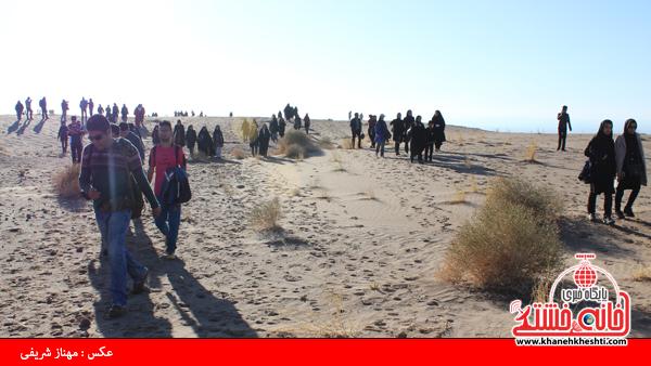مسئولین و مردم رفسنجان در همایش بزرگ ریگ نوردی