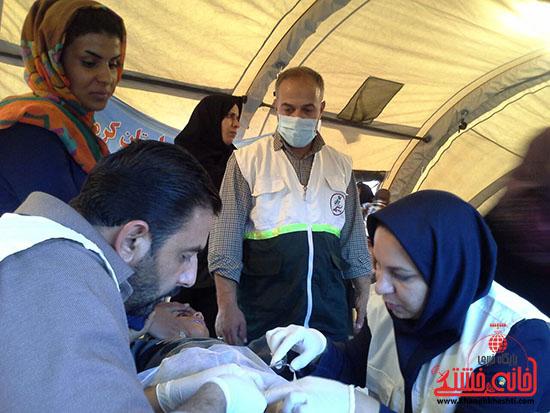 ویزیت رایگان تیم جامعه پزشکی رفسنجان در فهرج (8)