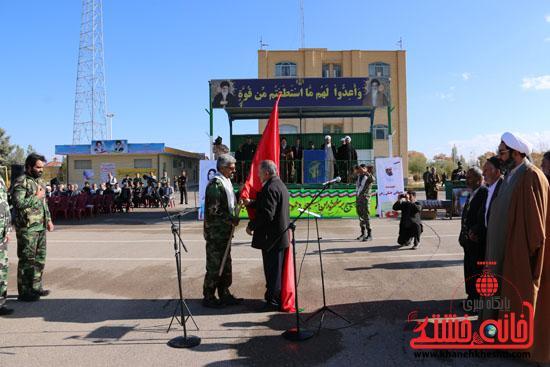 دوربین خانه خشتی در مراسم اهدای پرچم سرخ حسینی به بسیجیان رفسنجان