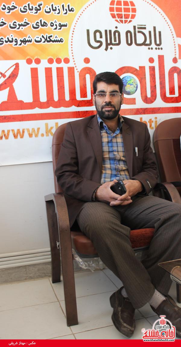 ابوالحسن ابولی شفا یافته در دفتر سایت خانه خشتی رفسنجان3