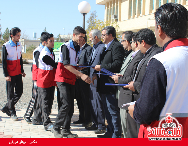 2برگزیدگان مسابقه امداد در سوانح در دانشگاه پیام نور رفسنجان(خانه خشتی)