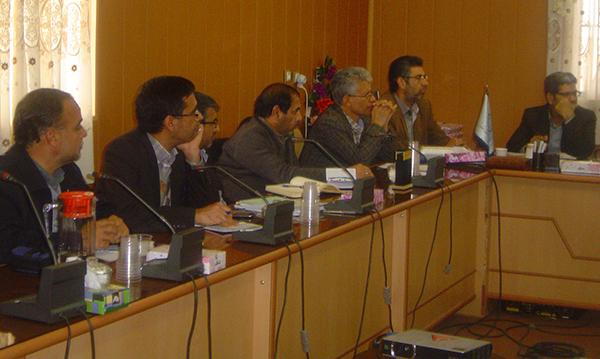 گذراندن واحدهای کارآموزی دانشجویان دانشگاه ولیعصر (عج) در سازمان جهاد کشاورزی کرمان