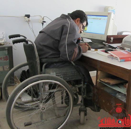 اینکه بنشینی روی صندلی چرخدار و دیگری کارهایت را انجام دهد دل بزرگی میخواهد . . .