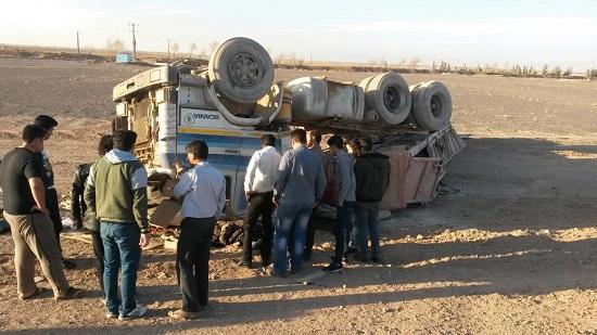 واژگونی کامیون 5 کشته و مجروح برجای گذاشت + عکس