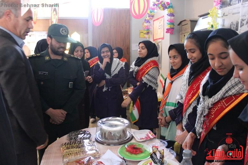 بازارچه خیریه دانش آموزی غیردولتی تزکیه رفسنجان_خانه خشتی (۱۵)