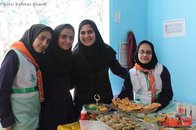 بازارچه خیریه دانش آموزی غیردولتی تزکیه رفسنجان_خانه خشتی (۲۱)