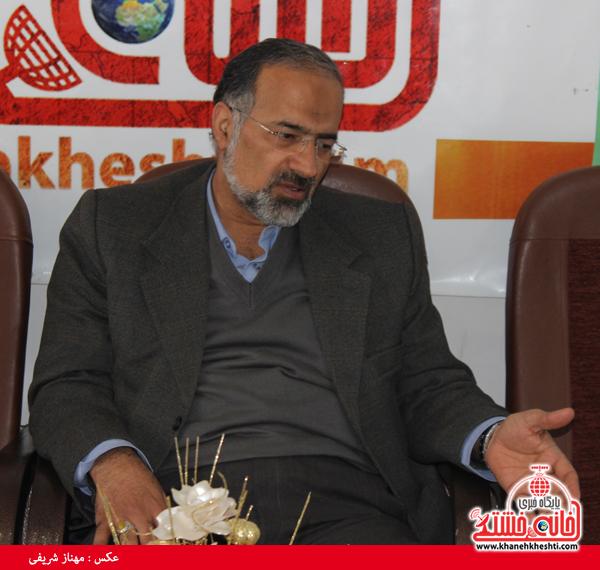 دکتر آذین نماینده مردم رفسنجان و انار در مجلس شورای اسلامی - خانه خشتی۴