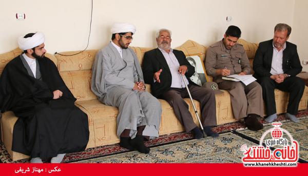 دیدار با خانواده شهدای روستای قاسم آباد رفسنجان(خانه خشتی)۳