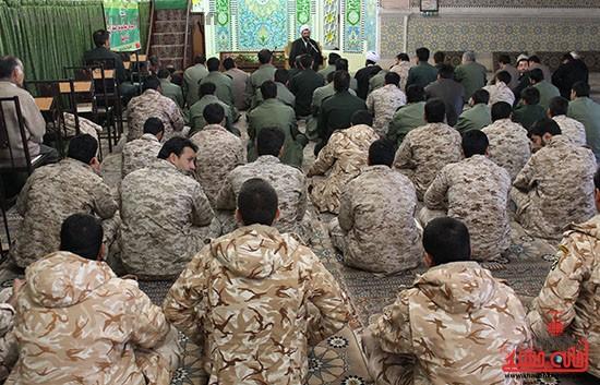 دیدار نیروهای مسلح رفسنجان با امام جمعه شهرستان_دهه فجر_خانه خشتی