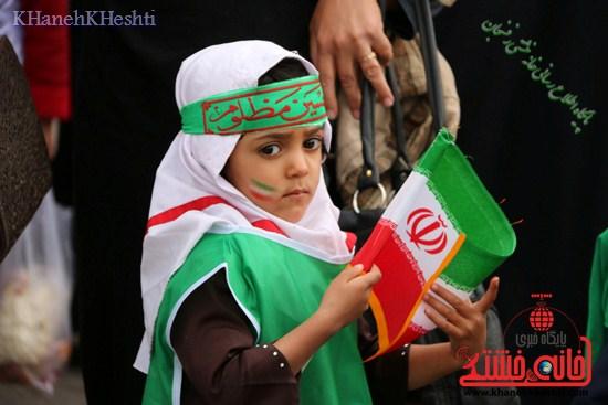 راهپیمایی سربازان کوچک انقلاب اسلامی در رفسنجان دهه فجر۹۳ (۱۰)