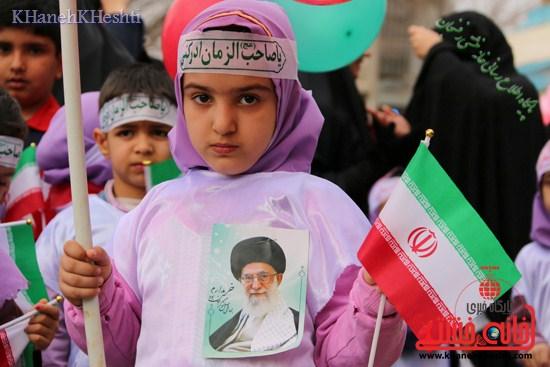راهپیمایی سربازان کوچک انقلاب اسلامی در رفسنجان دهه فجر۹۳ (۱۱)