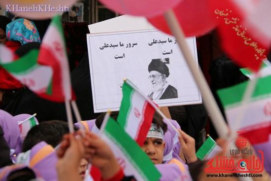 راهپیمایی سربازان کوچک انقلاب اسلامی در رفسنجان دهه فجر۹۳ (۱۲)