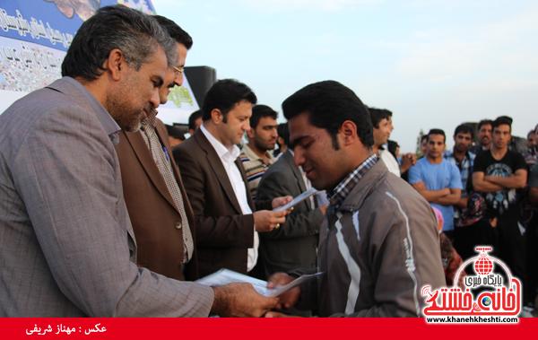 مسابقات طناب کشی روستای عرب آباد شهدای رفسنجان(خانه خشتی)۴