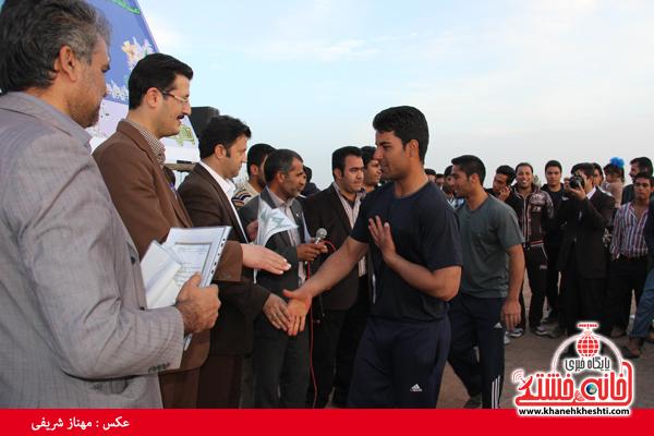 مسابقات طناب کشی روستای عرب آباد شهدای رفسنجان(خانه خشتی)۵