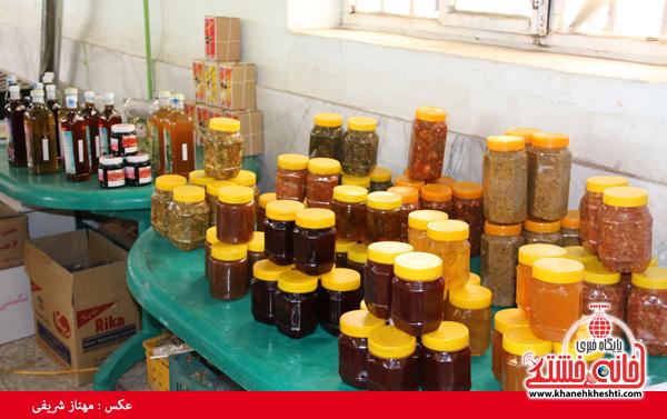 نمایشگاه صنایع دستی در رفسنجان-خانه خشتی۵