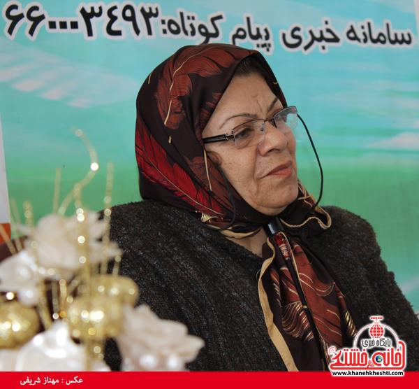 پروین طاهری پرستار بازنشسته رفسنجانی-خانه خشتی۲