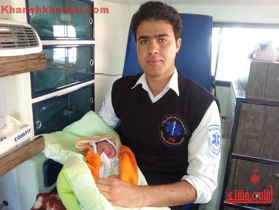 تولد نوزاد در اورژانس ۱۱۵ رفسنجان + عکس