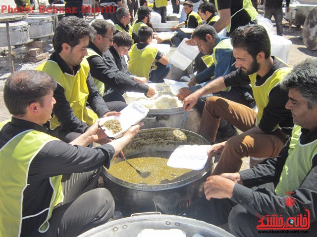 جوانان هیئت عاشقان علی اصغر (ع) رفسنجان ایام فاطمیه را عاشورایی برگزار می کنند