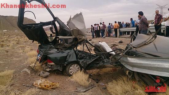 مرگ سرنشین خودروی سمند در برخورد با گاردریل در محور سرچشمه – رفسنجان + عکس