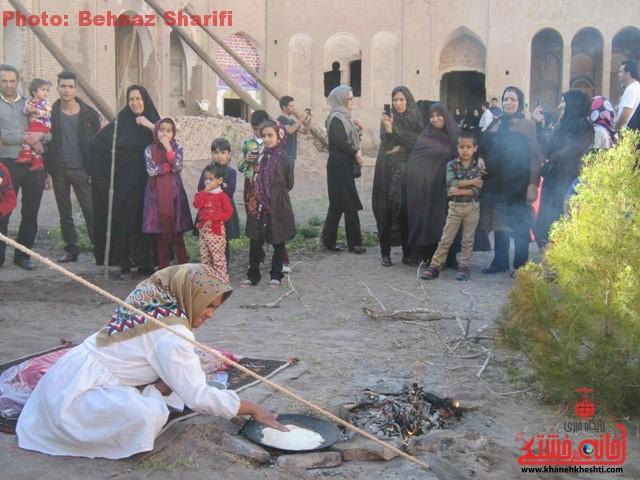 جشنواره صنایع دستی و موسیقی در بزرگترین خانه خشتی جهان در رفسنجان برگزار می شود