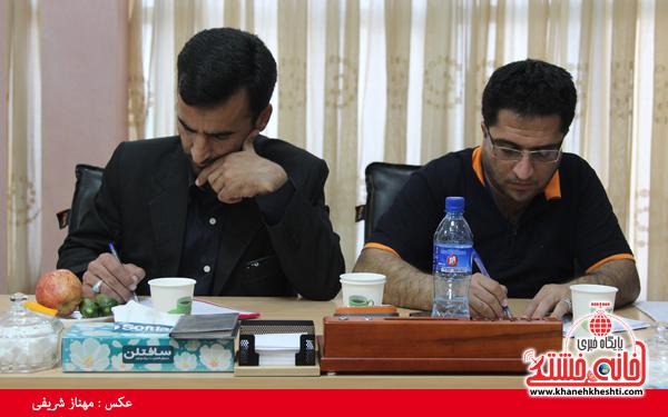 نشست مطبوعاتی شهردار رفسنجان با اصحاب رسانه-خانه خشتی (۳)