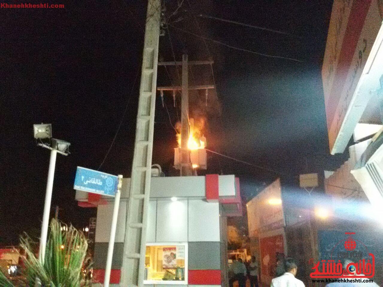 آتش سوزی ترانس برق در میدان علی بن ابیطالب (ع) رفسنجان