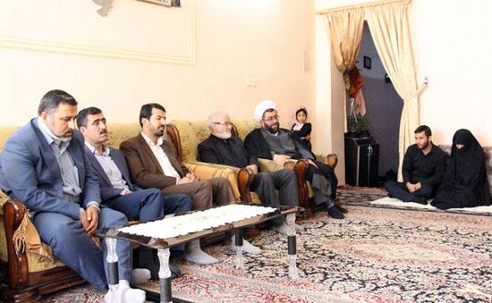 دیدار مسئولین شهرستان با خانواده سردار شهید حسین بادپا