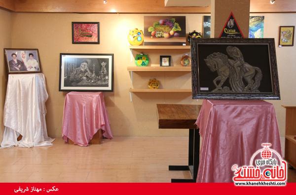دوربین خانه خشتی در نمایشگاه آثار هنری دانشگاه علوم پزشکی رفسنجان