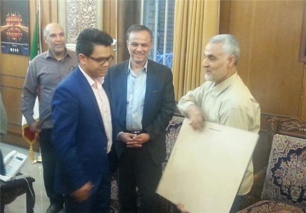 هدیه هنرمند کرمانی به سردار سلیمانی؛ مردی که نمی توان به آن احترام نگذاشت