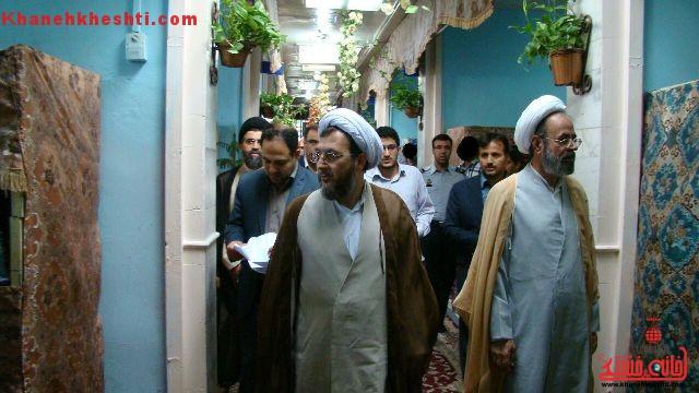 بازدید رییس دادگستری و قضات از زندان رفسنجان/ تأثیر مفید برنامه های ماه رمضان در روحیه زندانیان