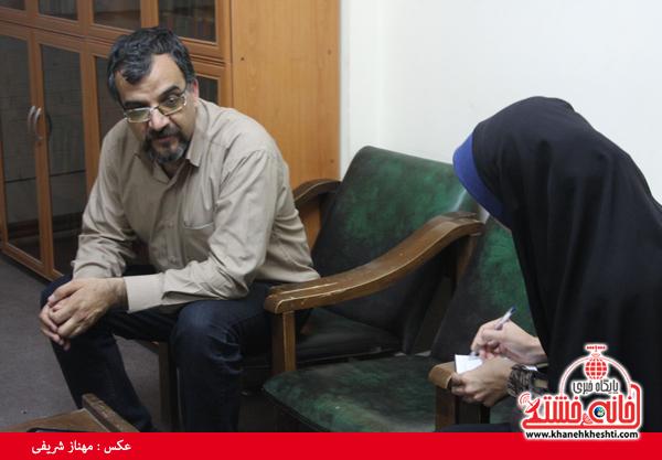 ابوالهادی عضو هیئت مدیره انجمن داستان نویسان رفسنجان-خانه خشتی (۱)