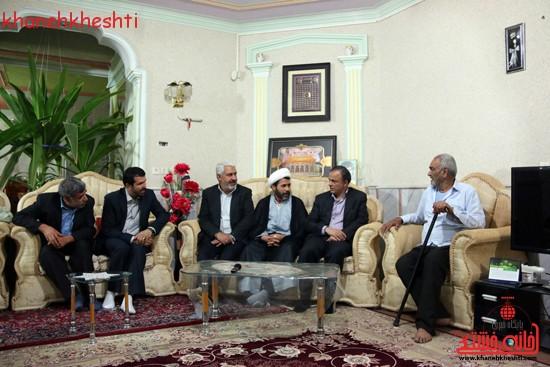 استاندار کرمان با خانواده شهیدان کدخدایی در رفسنجان دیدار کرد (۳)