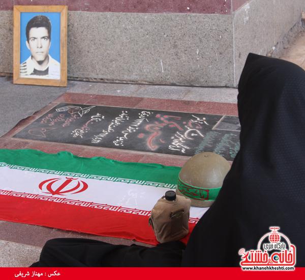 سالروز شهادت شهید نوروزی و هفت شهید عباس آباد دهشیخ در گلزار شهدا رفسنجان برگزار شد+عکس
