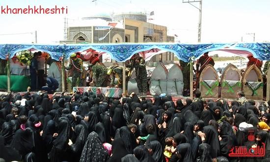 استقبال مردم بخش فردوس از شهدای غواص-خانه خشتی (۱۴)