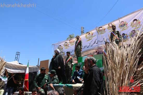 خاکسپاری شهید آخوندی-رفسنجان-خانه خشتی (۳)