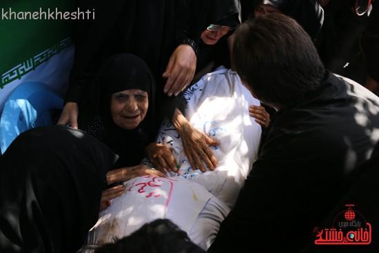خاکسپاری شهید آخوندی-رفسنجان-خانه خشتی (۶)