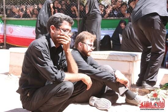 خاکسپاری شهید آخوندی-رفسنجان-خانه خشتی (۸)