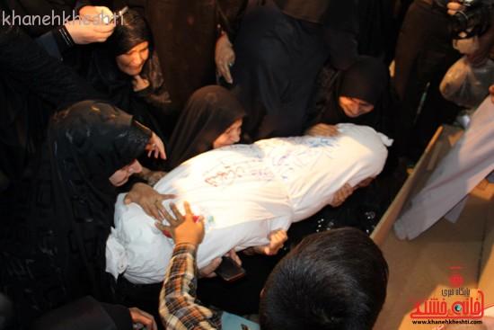 تصاویر/ آخرین لحظات حضور مادر شهید رحمانی در کنار پسرش