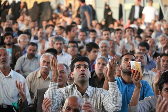 دوربین خانه خشتی در مراسم دعای عرفه رفسنجان