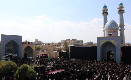 تصاویر زیبا از تجمع هیئت های عزاداری در مسجد جامع رفسنجان