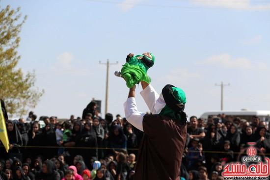 تعزیه خوانی روز عاشورا در امام زاده سید غریب رفسنجان (۳۸)
