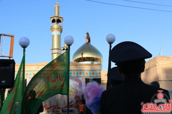 پرچم حرم امام حسین(ع) بر فراز گنبد مسجد صاحب الزمان (عج)هیئت کاظمیه رفسنجان (۱۱)
