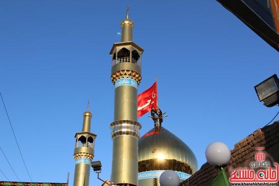 پرچم حرم امام حسین(ع) بر فراز گنبد مسجد صاحب الزمان (عج)هیئت کاظمیه رفسنجان (۱۳)